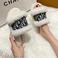 Dior Fashion plush slippers women wear plush slippers all-match flip flops White