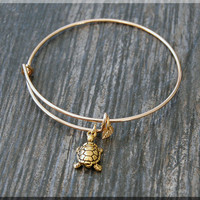 Gold Turtle Charm Expandable Bangle Bracelet, Adjustable Bangle Bracelet, Stacking Charm Bracelet, Sea Turtle Bangle, Turtle Bracelet