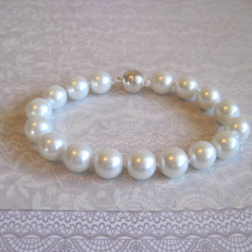 White Pearl Cat Collar, Dog Collar, Hand Knotted Cat Dog Jewelry Collar with Magnetic Clasp, Holiday Pet Gifts, Wedding Cat Dog Gift