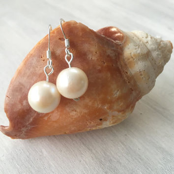 Freshwater pearl earrings, dangly pearl earrings, pearl earrings, freshwater pearls, pearl, earrings