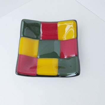 Reggae Lover Modern Fused Glass Trinket Dish, Rasta Hipster Gift, Unisex Bedside Ring Holder, Small Square Mosaic Dish, Checkerboard Pattern
