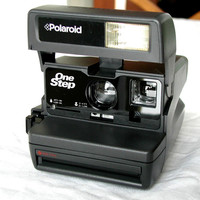 Film Tested Polaroid OneStep 600 With CloseUp - Vintage Instant Camera and Neck Strap