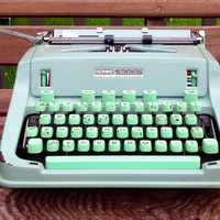 Vintage HERMES 3000 Typewriter // Made In by thevintagemine