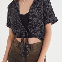 UO Tie-Front Short Sleeve Cropped Top | Urban Outfitters