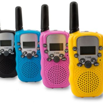 2 Pack Walkie Talkies Twin Radio 3km LCD Screen For Children Toy