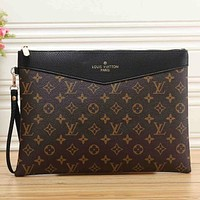Louis Vuitton Classic Letter Printing Fashion Business Bag Toiletry Bag Cosmetic Bag Clutch