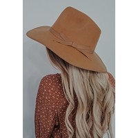 The Perfect Fall Hat: Tan