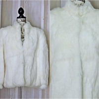 White fur coat size M / L / gorgeous white rabbit fur jacket / winter wedding coat / vintage fur coat / 80s GDT Too
