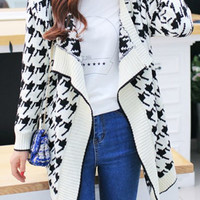 White Collarless Houndstooth Knitted Cardigan