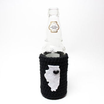 Illinois Beer Koozie, Crochet Can Koozie, Chicago Accessories, Coffee Cozy, White Sox Inspired, Black and White Travel Drink Holder