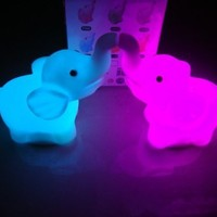 A pairs 7 Color Changing Elephant LED Night Light Lamp with Battery Party Decor SH-HG-220