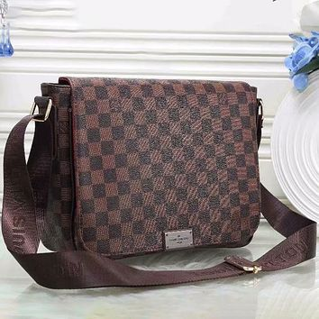 Louis Vuitton LV classic letter printing casual business briefcase men and women fashion one-shoulder messenger bag