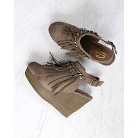 Sbicca - Allegretto Fringe Platform Wedges in Taupe