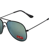 Ray Ban Aviator Gradient RB3025 Green Black Sunglasses