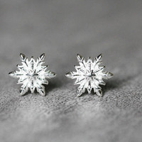 Delicate Snowflake Earrings, Sterling Silver Snowflake Stud Earrings, Delicate studs earrings, Snowflake Jewelry, gifts for her