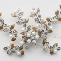 Vintage Style Crystal Pearl Flower Vine Bridal Wedding Hair Accessory on a Silver Coloured Clip