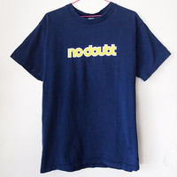 NO DOUBT // Vintage 90s Band Shirt Gwen Stefani Tshirt Tragic Kingdom Unisex S - M