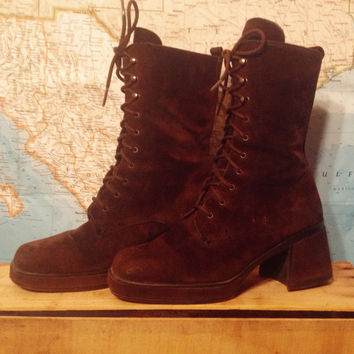 Vintage Brown Suede Penny Lane Platfrom Ankle Boots || Size 6.5 Lace Up