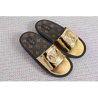 LOUIS VUITTON LV Trending Fashionable casual Print slippers Golden G