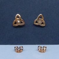 A three leaf clover rose gold plated ear studs with crystal