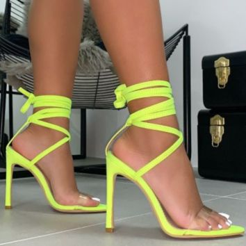 Hot style is a hot seller of cross-strap high-heeled sandals