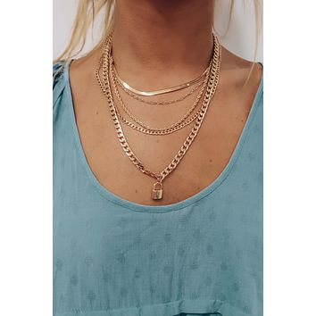 Hold The Key Necklace: Gold