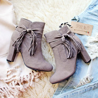 Badlands Fringe Boots