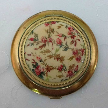 50s Floral Powder Compact, Vintage Shabby Chic Roses Lin Bren Compact, 1950's Makeup Vanity Compacts, 40s Beauty Vanity Display, Mid Century