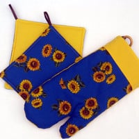 Pothholders, set of 2 and 1 Oven mitt, sunflowers, bright colors, kitchen