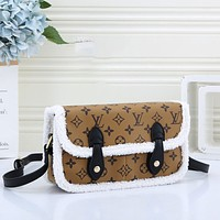 Louis Vuitton LV Hot Selling Classic Plush Leather Stitching Tote Bag Fashion Ladies One Shoulder Messenger Bag