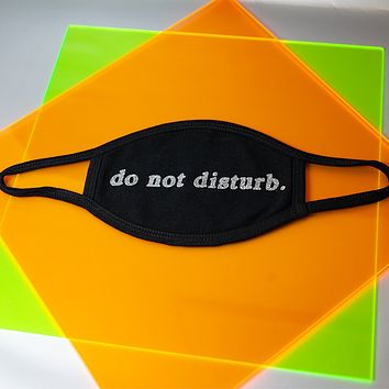 "Glitter ""do not disturb."" Mask"
