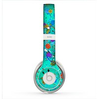 The Trendy Green with Splattered Paint Droplets Skin for the Beats by Dre Solo 2 Headphones