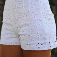 Darling In Daisy Shorts: White | Hope's