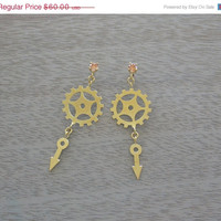 ON SALE 15% OFF Clock Part Earrings With Champagne Crystal - Steampunk Jewelry - Urban Jewelry - Clock parts Jewelry - Meaning Jewelry