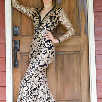 JOHNATHAN KAYNE 6113 Long Sleeve Sequin Zip Up Bust Prom Evening Dress
