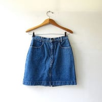 Vintage denim skirt. Mini jean skirt. 90s jean skirt. High waist denim skirt.