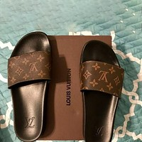 Louis Vuitton LV classic casual home beach sandals for men and women, trendy slippers sandals