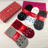 SUPREME LV 5 Pairs  Embroidered Socks with Box