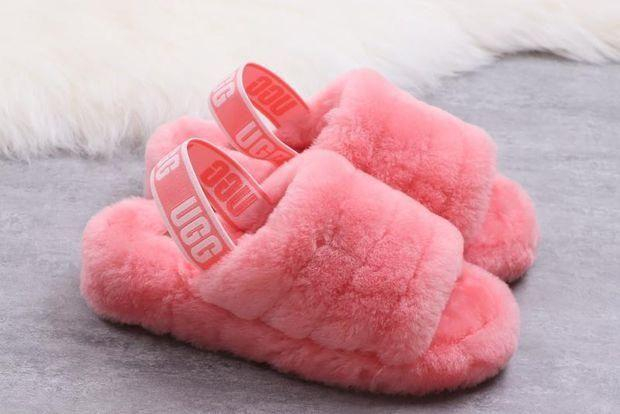 Image of UGG leisure high-end goods slippers women's home slippers