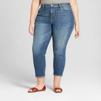 Women's Plus Size Straight Jeans - Universal Thread™ Medium Wash