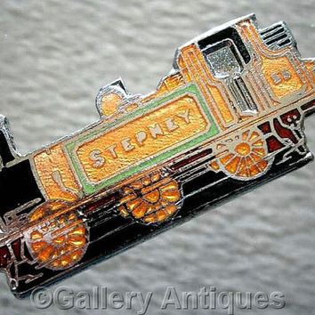 Vintage retro Stepney No. 55 Steam Train Engine Chrome and Enamel Pin / Lapel south coast railway Badge c.1980's (ref: 3206)