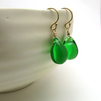 Kelly green earrings, gold Czech glass jewelry, bright green drop earrings, emerald green jewelry, green glass earrings, teardrop earrings