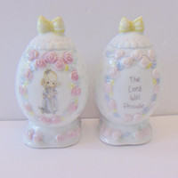 Precious Moments Egg Salt Pepper Shakers Vintage 1994 Easter Kitchen Collectible Religious Home Decor