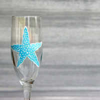 Starfish Champagne Flute / Hand Painted Champagne Glass / Beach Wedding Favors and Gfits