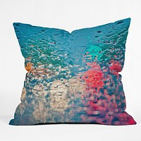 Bird Wanna Whistle Rain Impression Throw Pillow