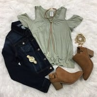 Cold Shoulder Cutie Top