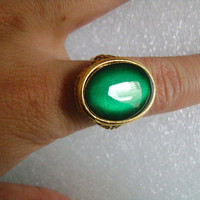 Stunning Vintage Gold Filled/Plated? With Dark Emerald Green Transparent Oval Shaped Glass/Rhinestone Adjustable Filigree Ring Mount 7.5g