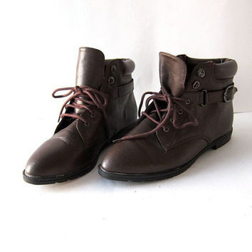 80s brown ankle boots. lace up buckled boots. granny boots.