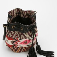 Ecote Zion Woven Bucket Bag - Urban Outfitters