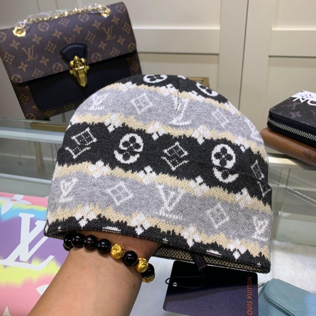 Image of Louis Vuitton (Louis Vuitton) LV knitted hat women ear protection autumn and winter men's wild wool cold hat